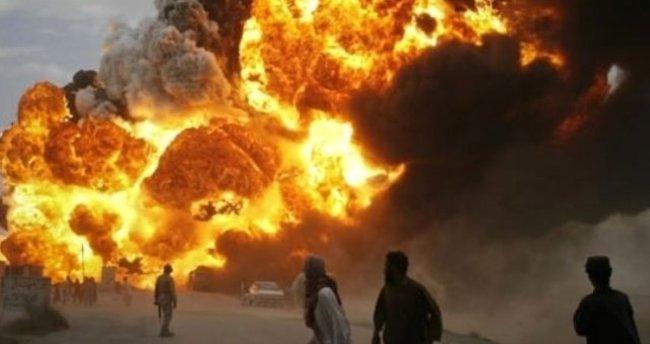 Suriye savaş uçakları İdlib'i vurdu: 33 ölü, 45 yaralı
