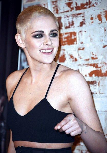 Saç stiliyle dikkat çeken  Kristen Stewart'ın yaşını duyunca çok şaşıracaksınız!