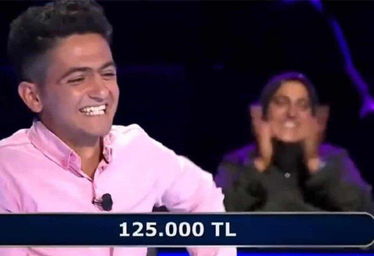 Son dakika! Sosyal medyaya damgasını vurmuştu... Hikmet Karakurt 250 bin liralık soruda yarışmadan çekildi!