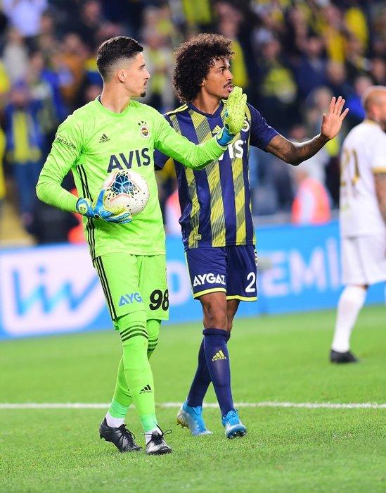 Fenerbahçe'de Altay Bayındır için karar verildi