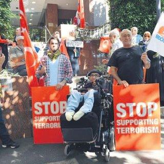 Avustralyalı Türkler Mehmetçik için ayakta