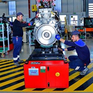 Mercedes-Benz 22 adet AGV ile üretime destek veriyor