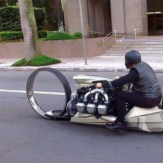 Rolls-Royce uçak motorundan motosiklet yaptı
