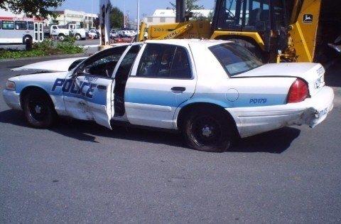 Polisler de kaza yapar!