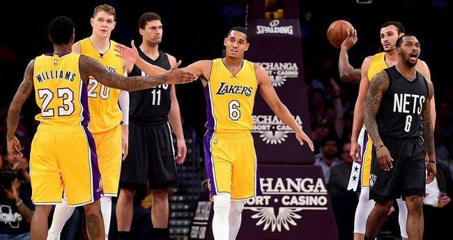 Lakers, evinde Nets'e geçit vermedi