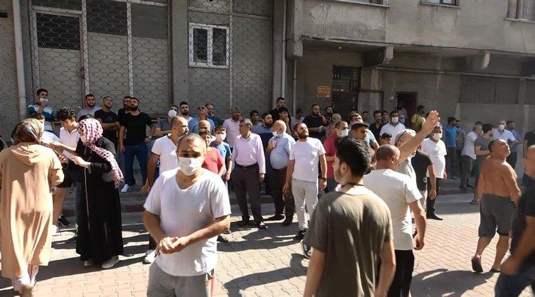 Sultangazi'deki yangında sosyal mesafe unutuldu