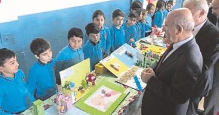 Fatih İlkokulu'nda üç boyutlu resim sergisi
