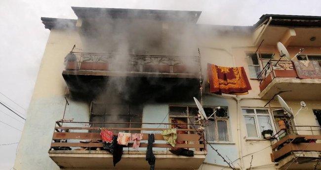 Kağıt toplayıcısı, evinde çıkan yangında hayatını kaybetti