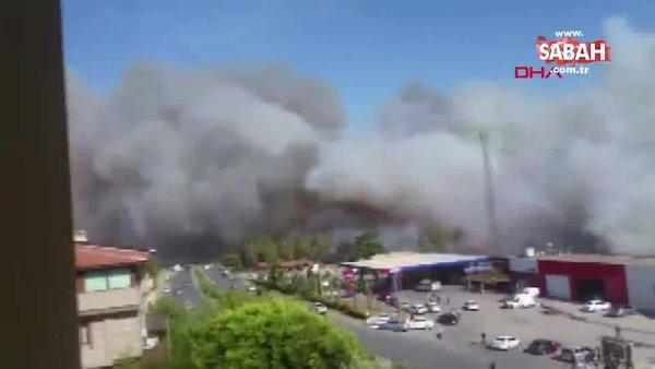Son dakika haberi... Hatay'daki yerleşim yerlerine sıçrayan orman yangınına helikopterli müdahale | Video
