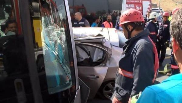 Metrobüs yolunda feci kaza!