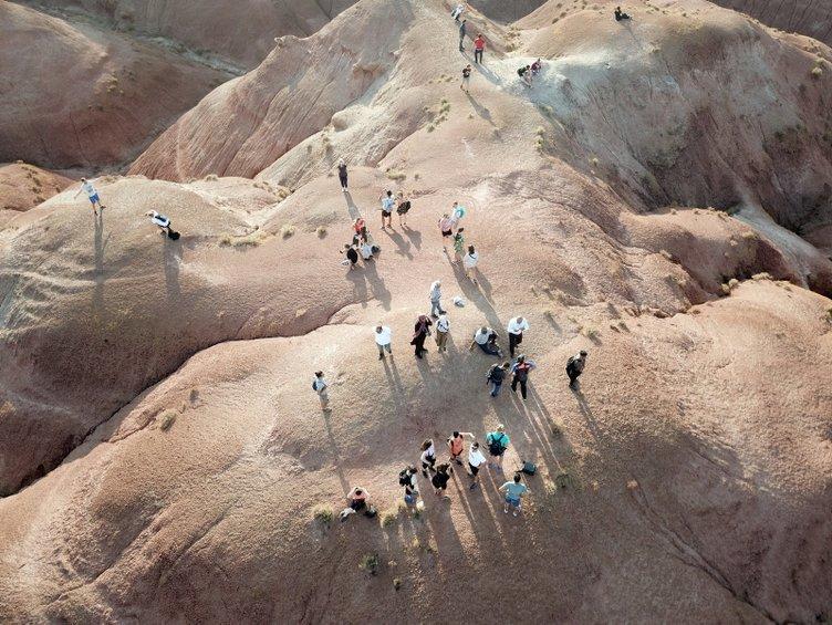 Gökkuşağı Tepeleri yabancı turistlerden ilgi görüyor