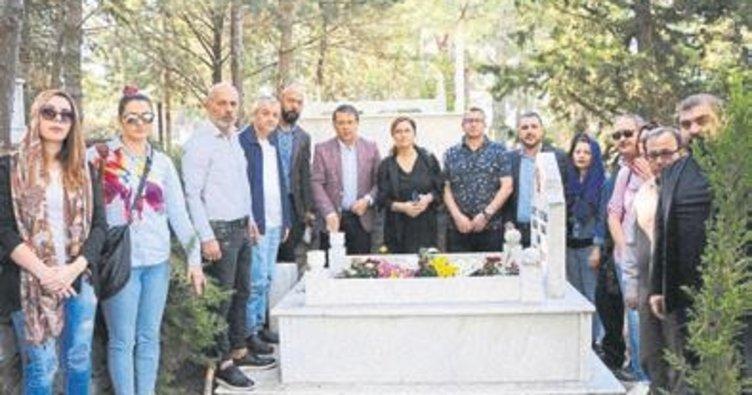 Duayen gazeteci Dim Alanya'da anıldı