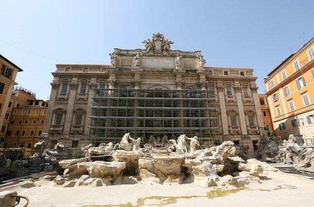 Roma'nın simgesini fareler bastı