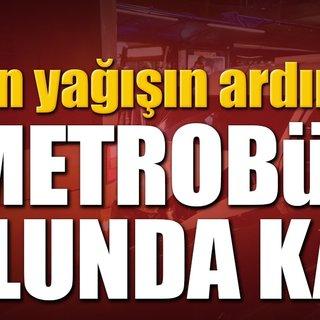 Metrobüs yolunda feci kaza