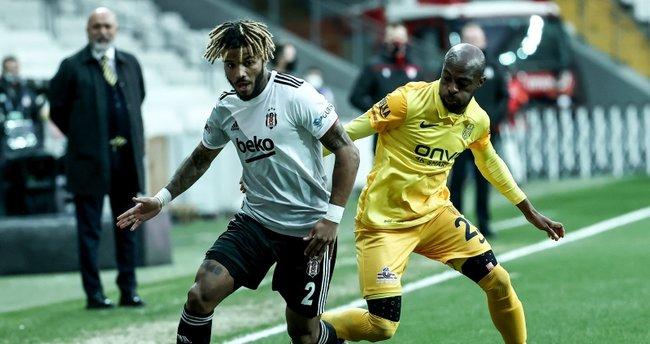 Beşiktaş'ta Valentin Rosier tamam, sıra Sporting Lizbon'da