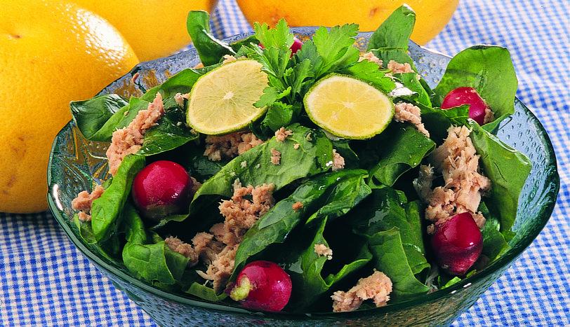 Ton Balıklı Ispanak Salatası