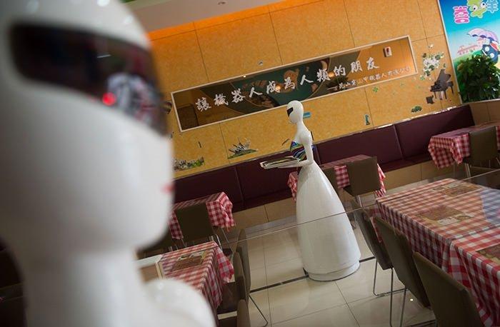 Çin'de Robot Restoran