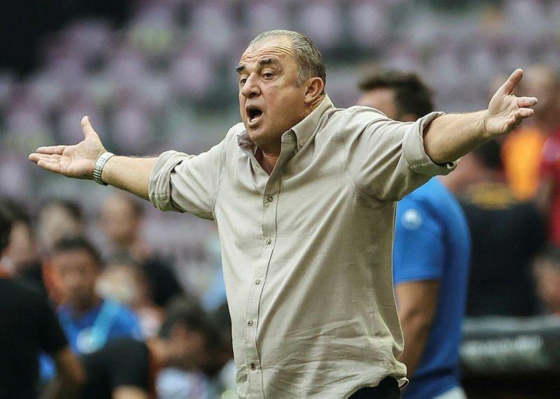 Emre Akbaba'nın Galatasaray'dan neden ayrıldığı ortaya çıktı! Fatih Terim açıkladı... 14