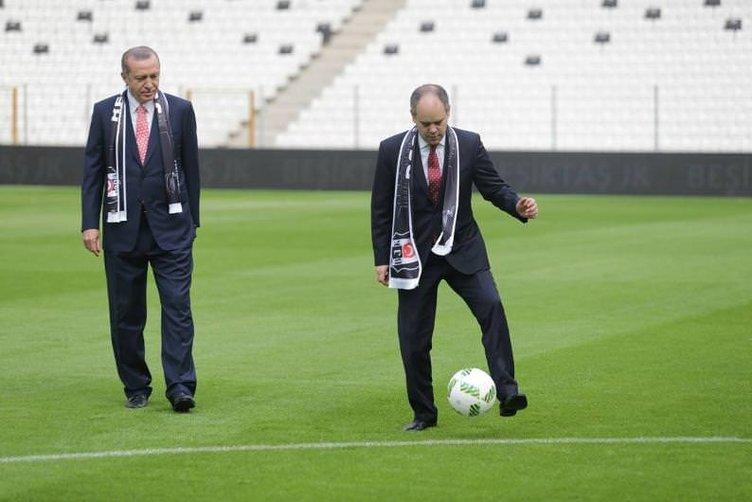 Protokol Vodafone Arena'da sahaya indi