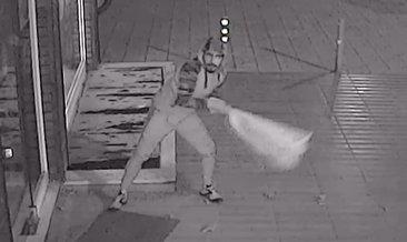 Bursa'da hırsızı canından bezdiren kırılmayan kapı güvenlik kamerasında!