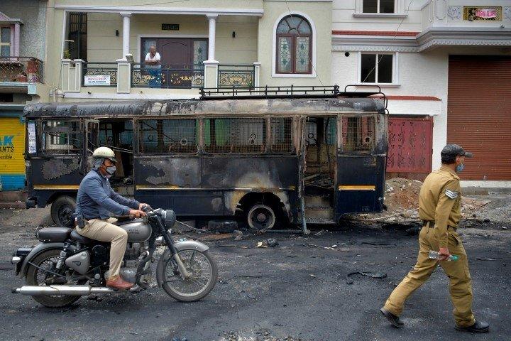 Hindistan'da büyük skandal!  Hz. Muhammed'e s.a.v yönelik haddi aşan sözlerin ardından sokaklar karıştı