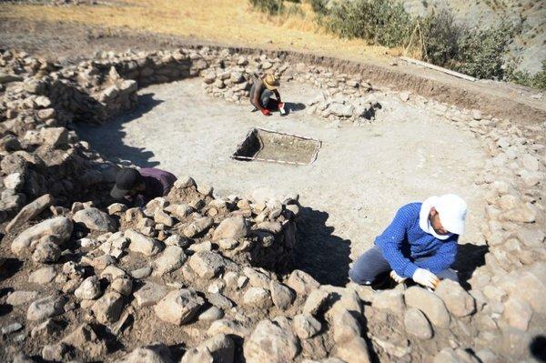 Mardin'de tarihi tapınak bulundu