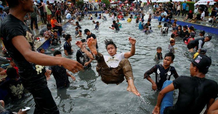 Myanmar'da su festivalinde 285 kişi öldü