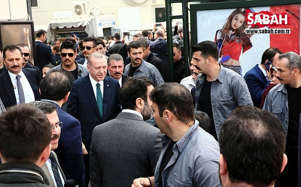İstanbul'da ilginç görüntü! Cumhurbaşkanı'nı işte böyle beklediler