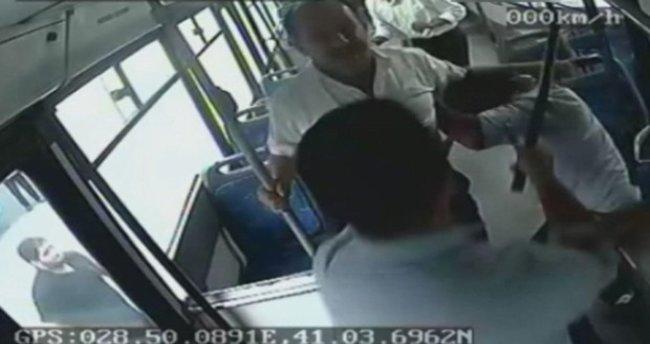 İstanbul'da otobüs şoförünü sopalarla dövdüler