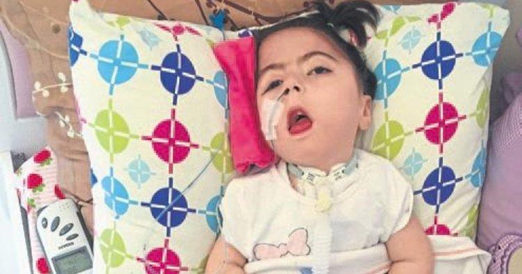 Esila bebeğe yardım eli