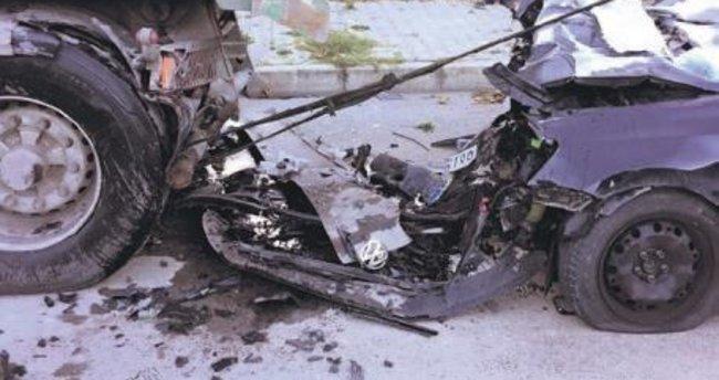 DHMİ amiri ve oğlu kaza kurbanı