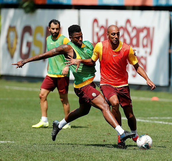 Galatasaray'da beklenen ikili geliyor