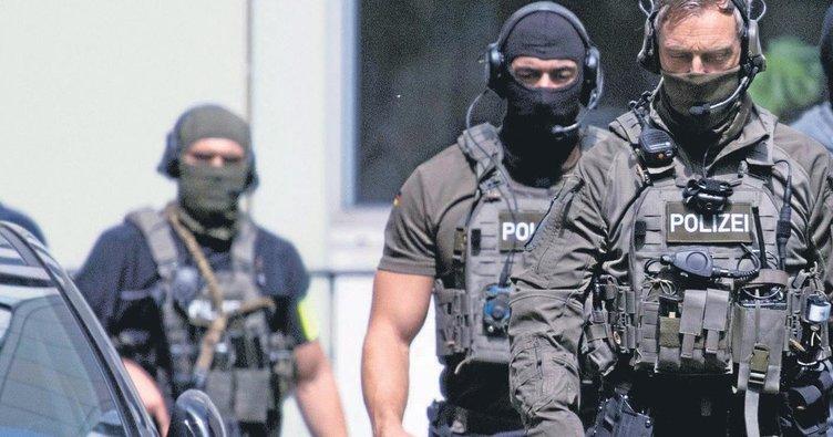Frankfurt'ta ırkçı polis depremi