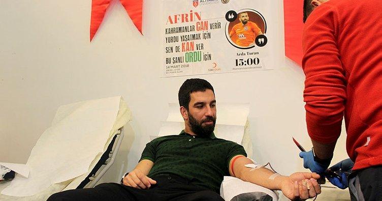 Arda Turan, Afrin'deki Mehmetçiklerimiz için kan bağışında bulundu