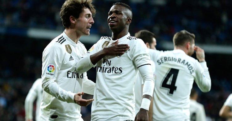 Ramos tarihe geçti, Real Madrid farklı kazandı