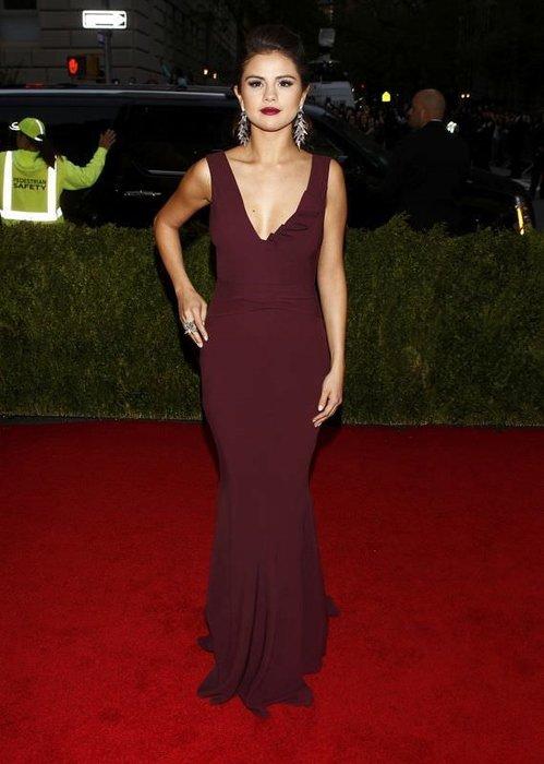 Selena Gomez bebeğini düşürdü iddiası