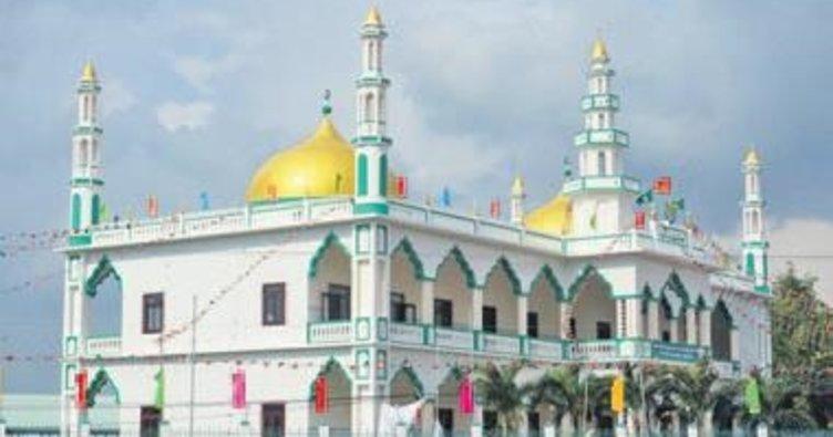 Vietnam en büyük camisine kavuştu