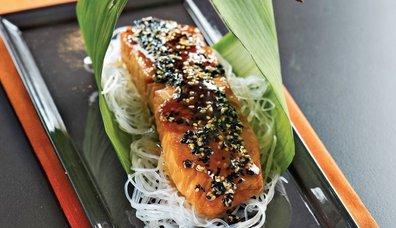 Uzak Doğu usulü somon balığı tarifi