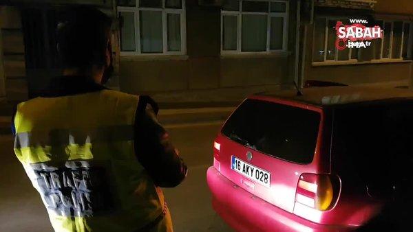 Araçtan çıkan kumandaya basan polis çıkan seslerle şaşkına döndü | Video