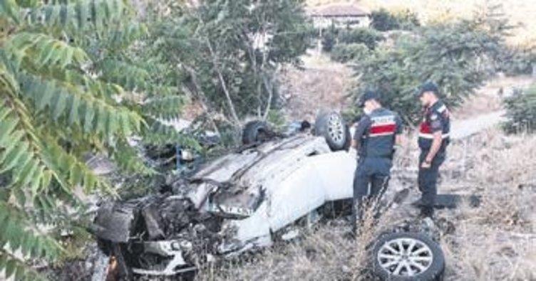 Kontrolden çıkan otomobil takla attı 5 yaralı