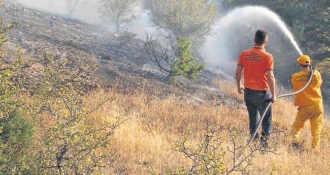 20 hektarlık orman arazisi zarar gördü