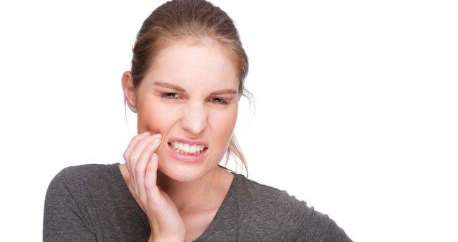 Diş ağrısına ne iyi gelir ve nasıl geçer? Geçmeyen çürük diş ağrısını ne keser?