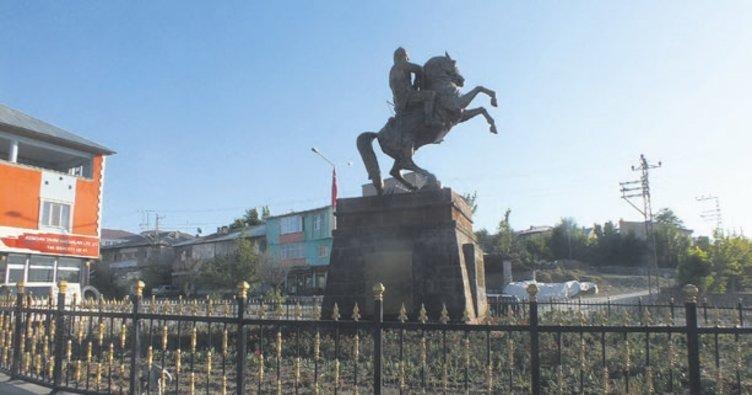 Malazgirt Alparslan Anıtı onarıldı