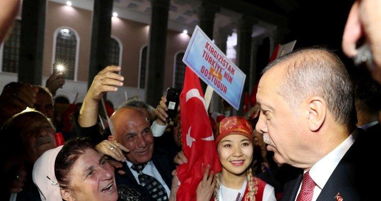 Bişkek SOKAKLARI  Başkan Erdoğan ile ilgili görsel sonucu