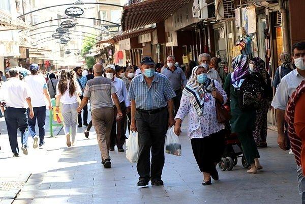 65 yaş üstü sokağa çıkma yasağı hakkında son dakika gelişmesi! Belirli saatlerde sokağa çıkma yasağı kararları peş peşe geliyor...