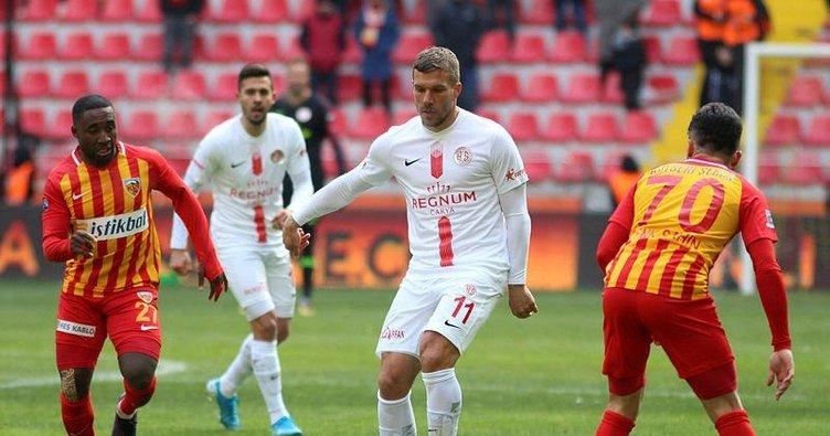 Antalyaspor'un yıldızı Podolski Trabzonspor maçında yok