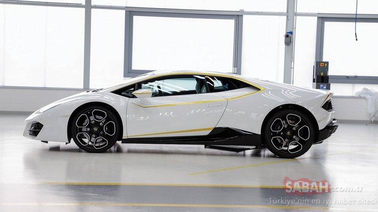 Papa'nın imzaladığı Lamborghini Huracan satıldı