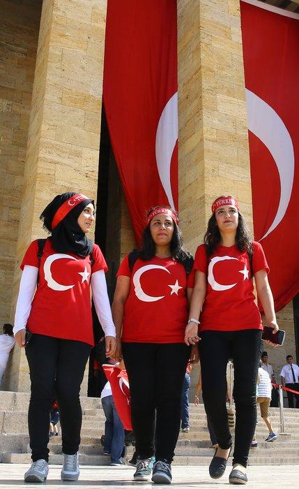 30 Ağustos'ta Anıtkabir'a ziyaretçi akını