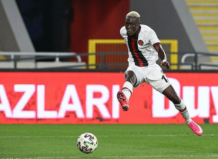Son dakika transfer haberi... Fatih Terim Karagümrük'ten 2 futbolcuyu istedi