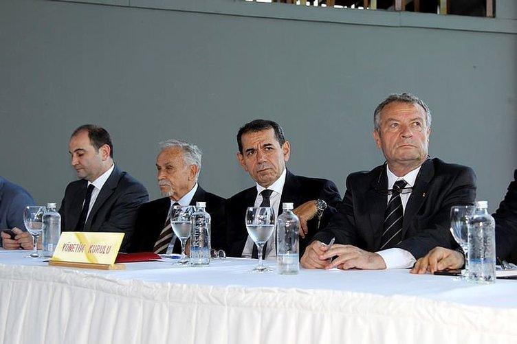 Galatasaray'da 10 futbolcu yolcu